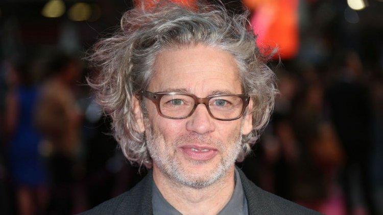 Dexter Fletcher directing 'Sherlock Holmes 3'